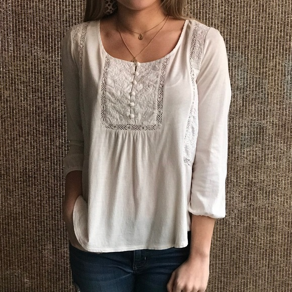 American Eagle Outfitters Tops - American eagle white crochet top